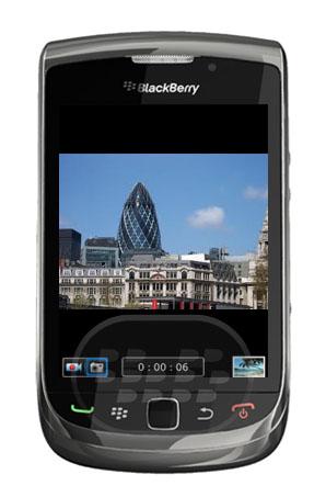 Dual Camera: es una aplicación que permite doble funcionalidad de la cámara. Haga capturas instantáneas, mientras activa la grabación de vídeo! Es ajustable y puedes confirmar iniciar / detener la grabación de vídeo. No es necesario salir para cambiar a grabar video, o tomar fotos y viceversa. Nunca se borra el vídeo que ha grabado, incluso si accidentalmente pulse Escape dos veces. Compatibilidad BlackBerry OS 6.0 o Superior BlackBerry 9350, 9360, 9370, 9380, 9700, 9780, 9788, 9790, 9800, 9810, 9850, 9860, 9900, 9930, 9981 Descarga APPWORLD Fuente:blackberrygratuito