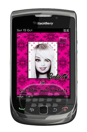 Elegant Barbie: es un tema para chicas, muy particular con un fondo de pantalla abstracto, 4 iconos principales en la parte inferior, y 1 en la parte superio derecha, los colores predominantes combinanciones de morado y rosado. Descarga OTA (9800) Descarga OTA (8900, 9630, 9650, 9700 OS 5.0) Descarga OTA (9650, 9700, 9780 OS 6.0) Descarga OTA (8520, 8530, 9300, 9330 OS 5.0) Fuente:blackberrygratuito