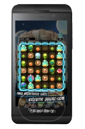 Alien Hive: es un interesante juego que tiene que ver con la evolución de los aliens, combina el desplazamiento de los rompecabezas de baldosas para un juego que se siente a la vez familiar y fresco. Empareje las fichas de los recursos para las mejoras que le permiten tomar el mando de la tabla, con el objetivo de construir la colmena alien supremo. A medida que avance podrá descubrir el misterio de los alienígenas ocultos y dominar el planeta rojo!. Compatibilidad BlackBerry OS 10 o Superior Descarga BlackBerry World