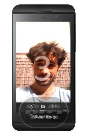 Con esta aplicación usted tiene la capacidad de hacer impresionantes e incluso mejores fotos utilizando sus dos características principales: * Temporizador: Utilice el temporizador de 3 o 10 segundos para tener algo de tiempo para ponerse en posición perfecta* Mando a distancia: La App debería funcionar con casi cualquier disparador remoto Bluetooth Nota: en BlackBerry Z3, Z10 y Z30 se observan algunos problemas que muestra el teclado virtual,cuando se combinan con el disparador remoto Bluetooth, se espera que en una proxima actualización se corrija este inconveniente. Compatibilidad BlackBerry OS 10 o Superior (Q5, Q10, Z10, Z30, Z3) Descarga BlackBerry World