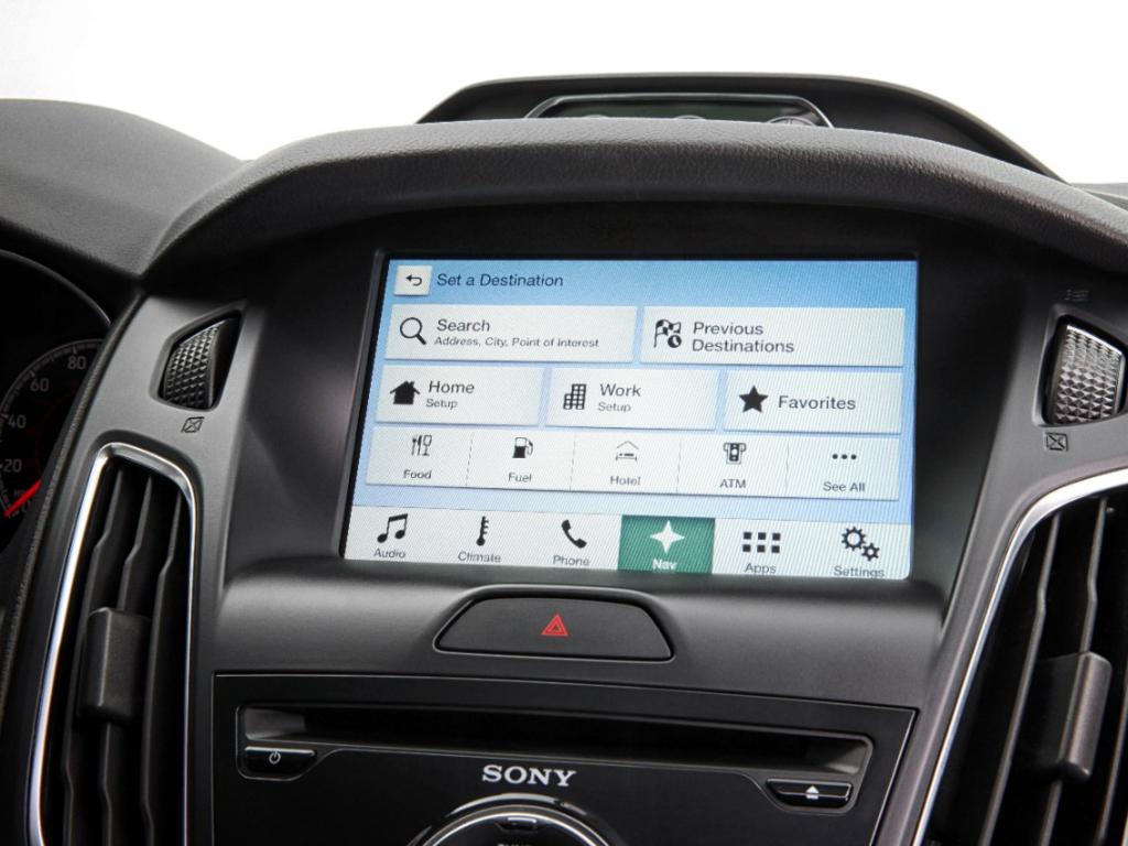 El dia de hoy Ford oficialmente reveló sus planes para Sync 3, la nueva versión de su sistema de conectividad para automóviles estará bajo el software BlackBerry QNX, tras siete años de relación Ford Sync abandonará a Microsoft, un cambio que se había rumoreado a inicios de este año 2014. El fabricante de automóviles dice que va a empezar a aparecer en sus vehículos nuevos en algún momento de 2015. Ford dijo que si bien Sync 3 se ha hecho sobre todo para uso de manos libres, la pantalla también puede ser operado tanto como una pantalla táctil que se