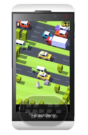 Este es un juego viral muy adictivo, con gráficos de estilo pixelado, es considerado el mejor juego para móviles del 2014, por varias revistas, lo único que tiene que hacer es ayudar a la gallina a cruzar la carretera, vías del tren, rios y superar todos los obstáculos presentes, con más de 50 personas inspirados en el arte pop y retro. Descarga Crossy Road.apk   BlackBerry OS 10.2.1 Superior (Q5, Q10, Z10, Z30, Z3, Passport y Classic) Para obtener más aplicaciones y juegos Android lo puede hacer mediante Amazon App Store oSnap